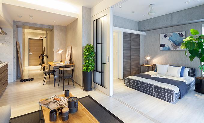 Sypialnia za drzwiami