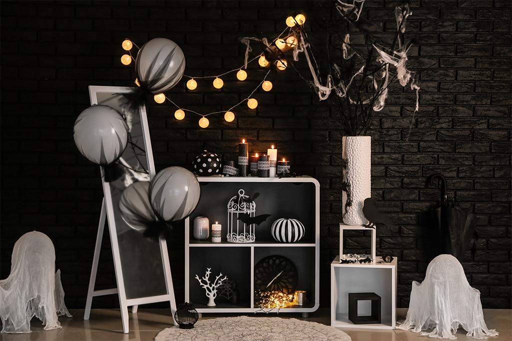 Halloweenowe dekoracje w salonie