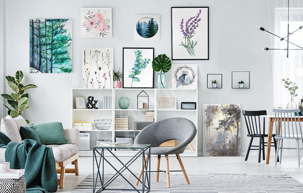 Gallery wall w salonie