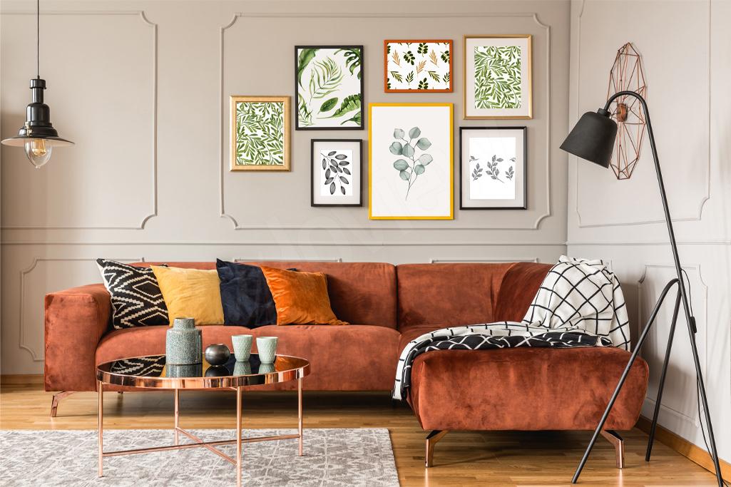 Gallery wall z roślinnymi motywami