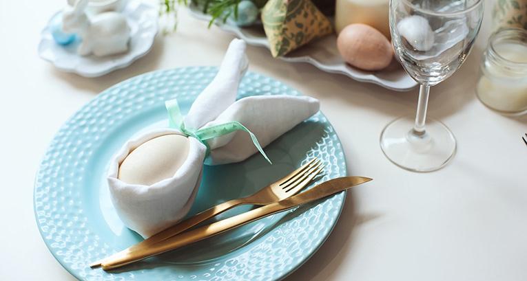 Wielkanocne ozdoby – pomysły w duchu minimalistycznym i maksymalistycznym