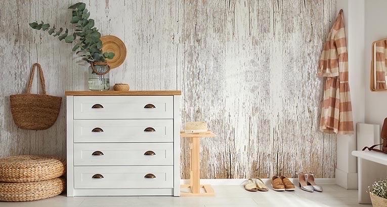 Drewno na ścianie – przytulne rozwiązanie, które wyczarujemy w mgnieniu oka