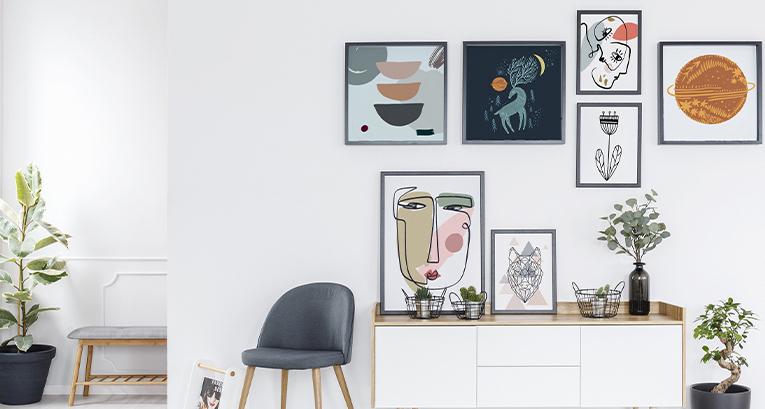 Gallery wall w 5 odsłonach – udekoruj pokój w swoim stylu