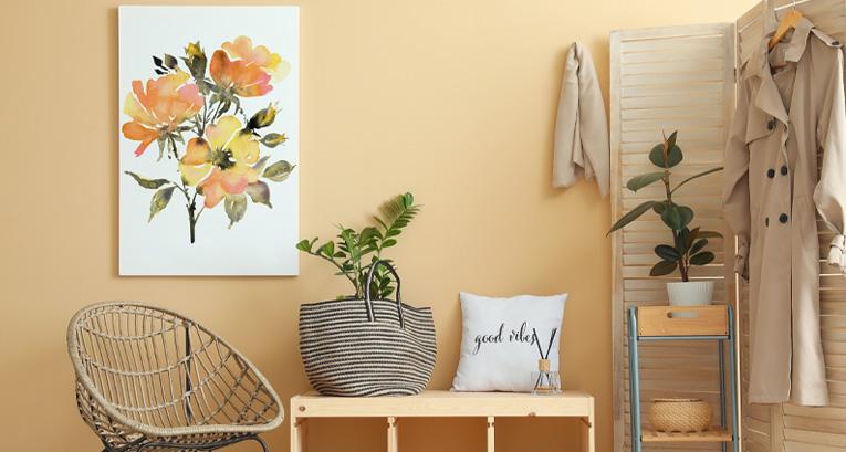 Co powiesić na ścianie w przedpokoju, by ożywić wnętrze?