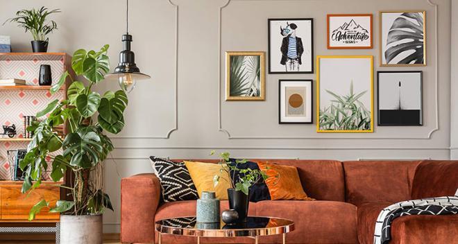 Ściana nad kanapą – jak ją urządzić? Sprawdź 4 pomysły od Myloview!
