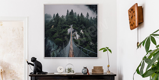 Leśny plakat z mostem