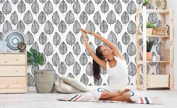Monochromatyczna tapeta w stylu skandynawskim