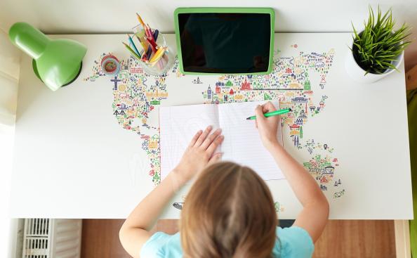 Naklejka na biurko z mapą
