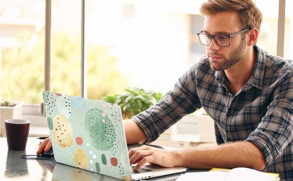 Naklejka na laptopa w stylu memphis
