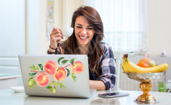 Naklejka owoce na laptopa