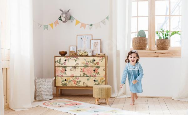 Naklejka shabby chic w pokoju dziecka