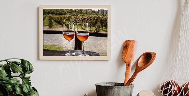 Plakat wino na tle winnicy
